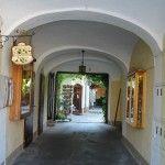 Altstadtgasse, eine romantische Einkaufsstraße mit vielen Überraschungen