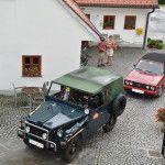 Kotzbeck Thomas und im Jeep Wrangler YJ, dahinter Lassacher Hanna und Hiebaum Jessi im VW Golf Cabrio